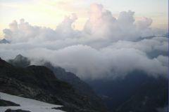 Что видно снизу? Только облака. А сверху всегда видно больше.